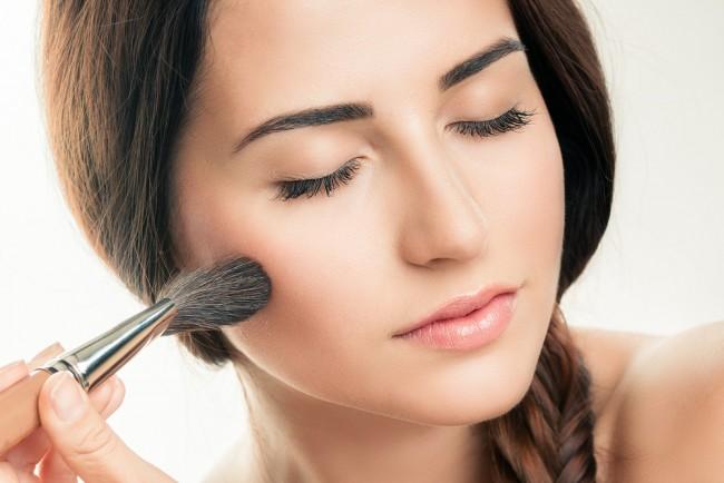 化粧崩れの悩みは防止できる。その秘訣とは?
