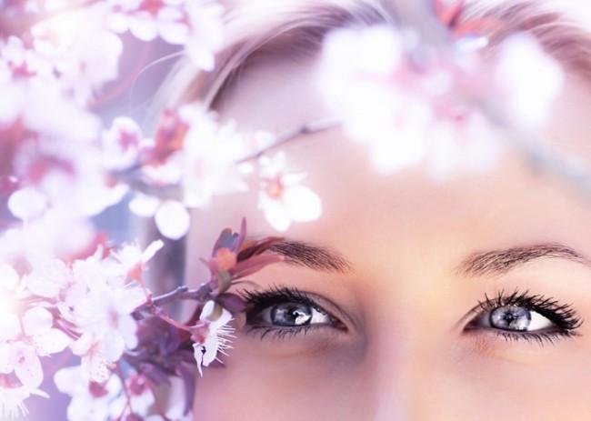 目力のあるパッチリした魅力的な目元をつくる眼輪筋マッサージ