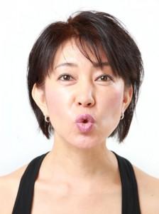『フェイシャルヨガ』で10歳若返る!! ~LESSON 3 シャープなフェイスラインをゲット!~