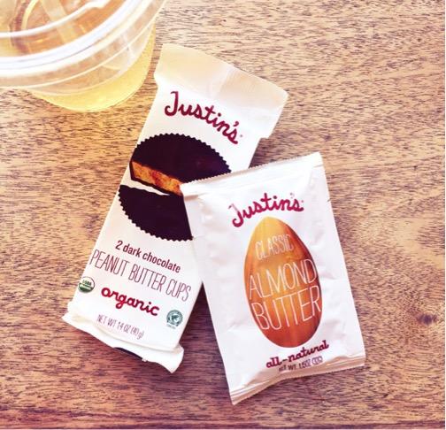 ハリウッドの定番スナック、ジャスティンズのピーナッツバターに夢中