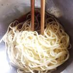糖質オフ麺で作る、もずくとキムチの冷麺