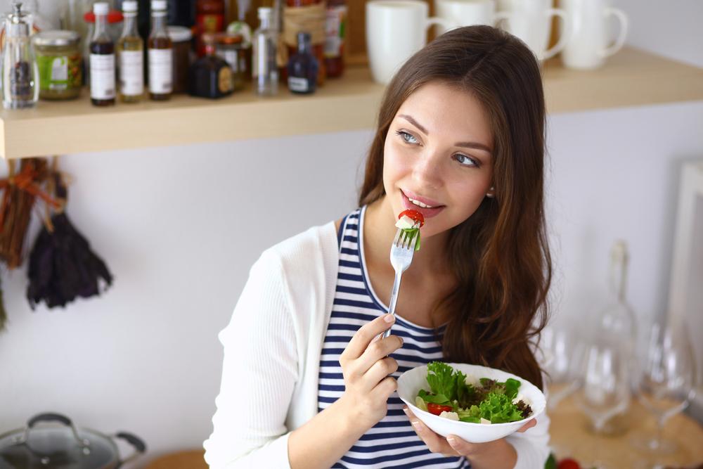 「大人ニキビ」と「食生活」の深い関係