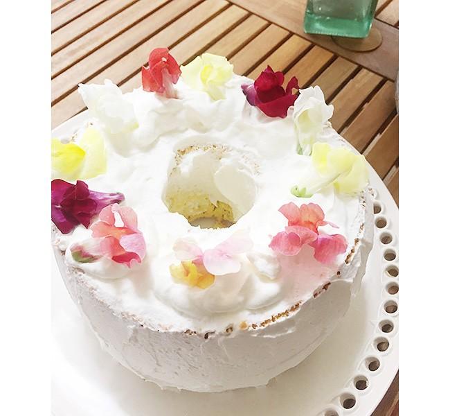 花を頂いて、すこやかな心に「ラベンダーのシフォンケーキ」