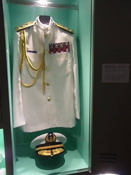 祖父が来ていた制服が展示されていました。格好いい!