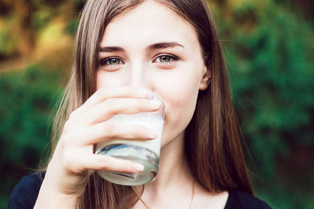 2018年注目の植物性ミルクは「ゴールデンミルク」と「ピーミルク」