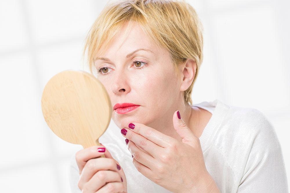 本当の原因はコレ!繰り返す大人の顎ニキビを治す方法