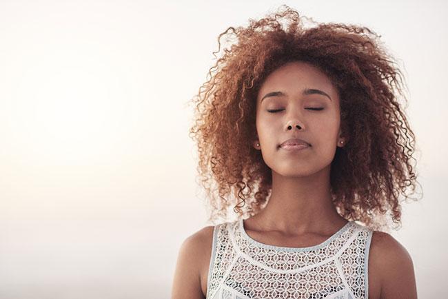 ヨガよりも簡単、瞑想よりも効果アリ?
