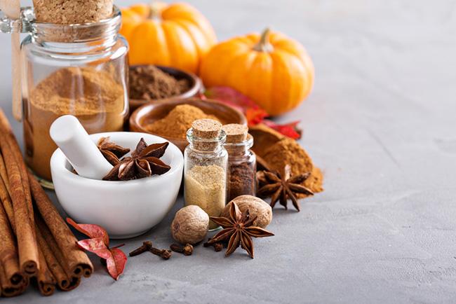 実はカボチャではない?秋の定番「パンプキンスパイス」、驚きの健康・美容効果