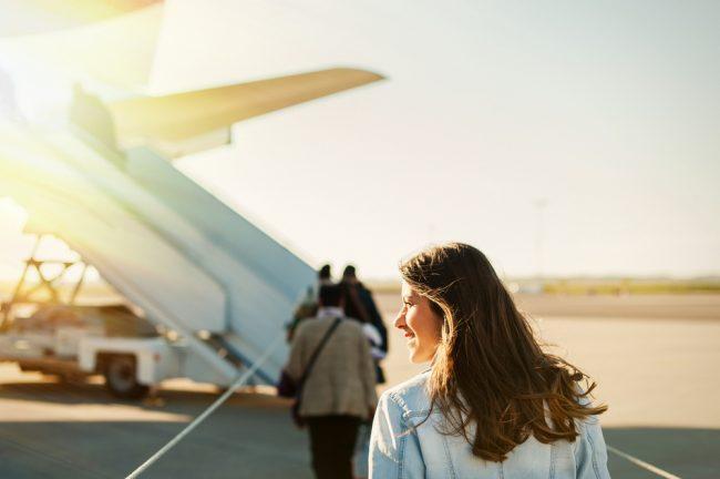 美しく颯爽と旅する女性の秘密とは?