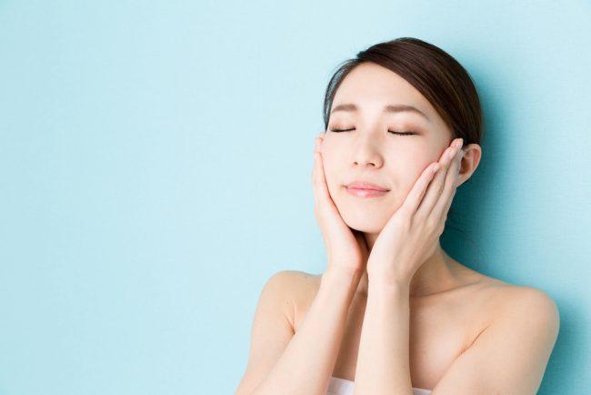 「化粧品の美容成分は浸透しない」説はYES or NO?