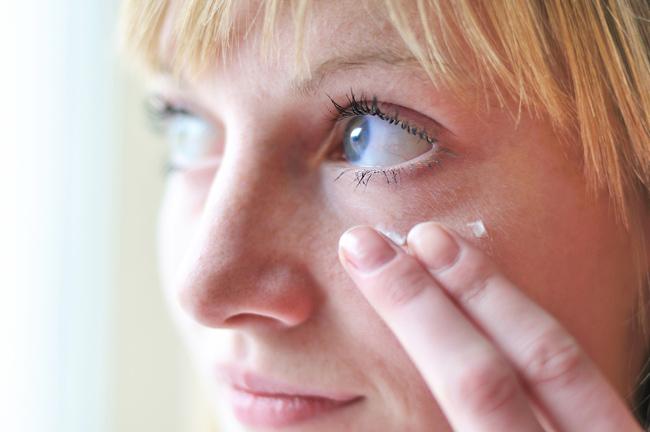 目元ケアで差がつく印象美。スキンケア&マッサージで目力は変えられる!