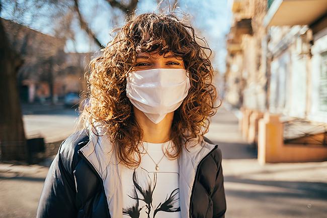 マスクのニオイ気になる?マスクによる口臭はこれで解決!