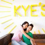 「カイズ(Kye's )」のオーナー、ジーンさんと息子のカイ君